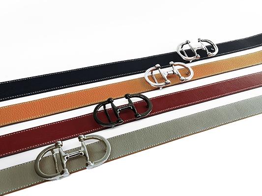 Models uniques de ceintures sur mesure.